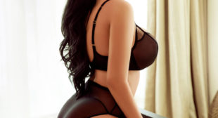 Very Sexy Housewife High Profile Escorts – Hire Top Seductive Escorts in Kolkata
