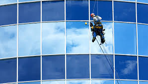 Hire Window Cleaning Company, London to Get Streak-Free Windows