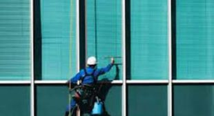 Hire Professionals to Get Best Commercial Window Cleaning Services